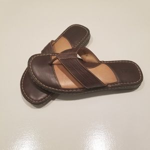 Born Womans Brown Leather Wedge Thong Sandles